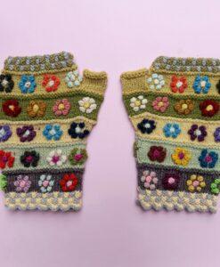 bella aborigen - embroidered mittens